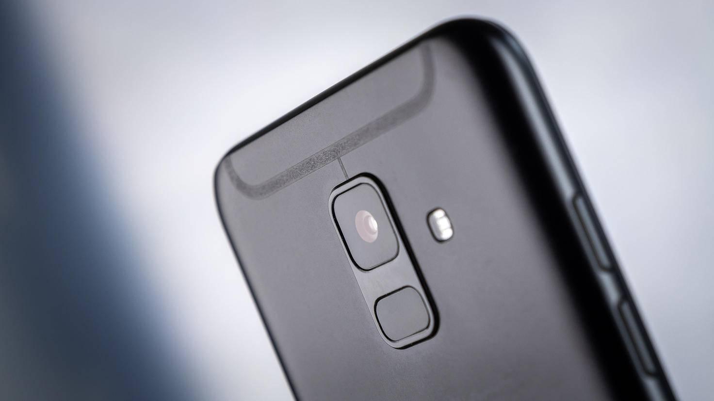 Samsung-Galaxy-A6-TURN-ON-3