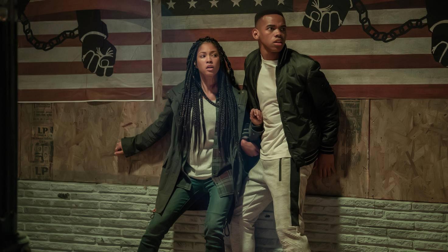 """Lex Scott Davis (Nya) und Joivan Wade (Isaiah) sind in """"The First Purge"""" auf der Flucht vor den """"Purgern""""."""