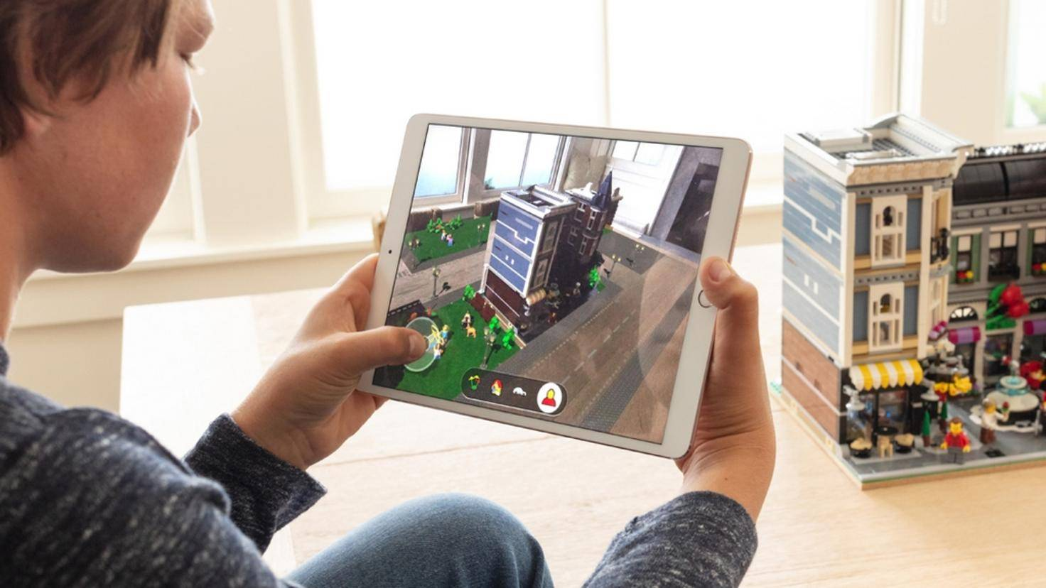 iOS-12-Augmented-Lego-AR
