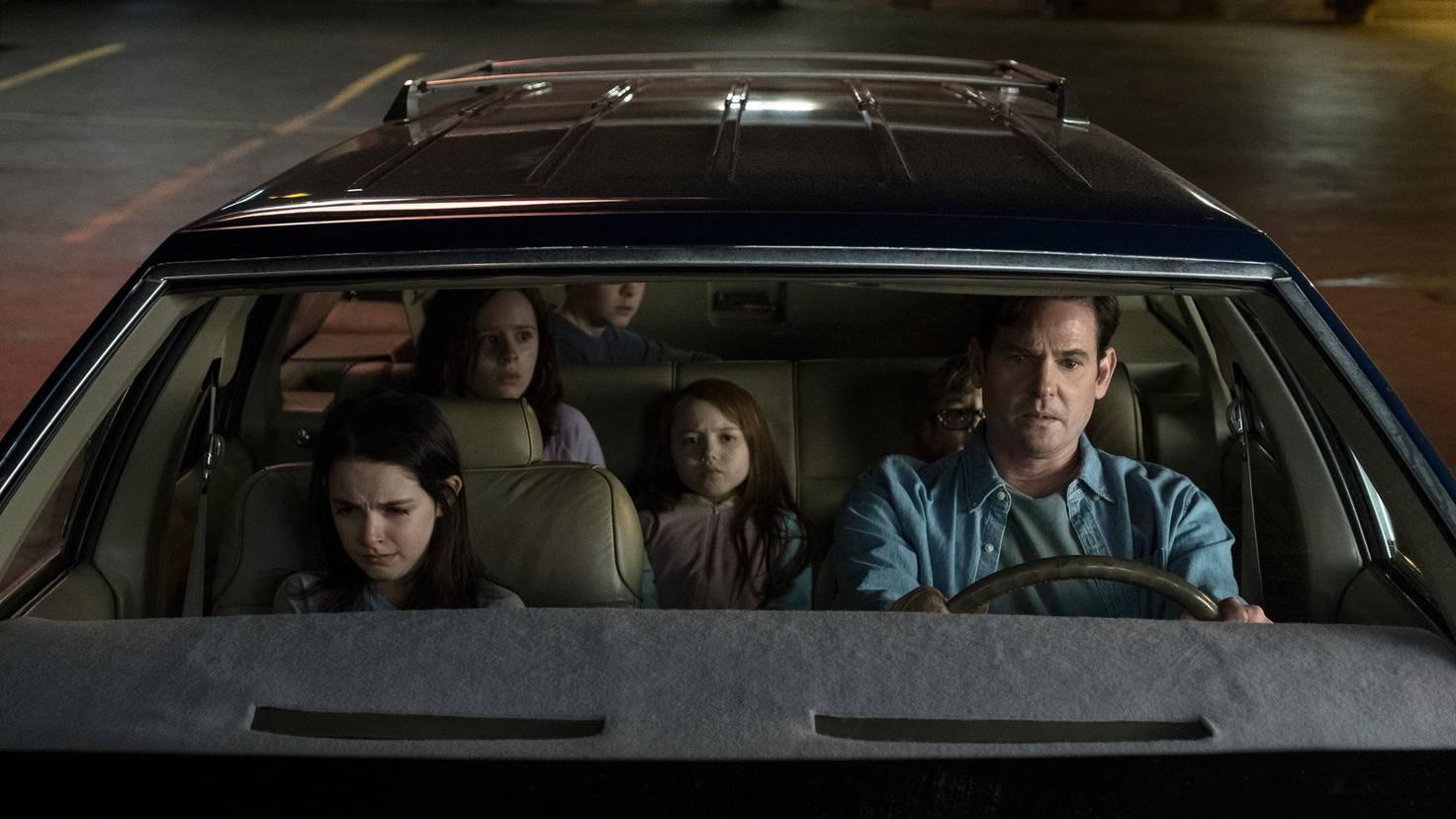 The Haunting of Hill House-S1E5-McKenny Grace-Lulu Wilson-Paxton Singleton-Violet Mcgraw-Julian Hillard-Henry Thomas-Steve Dietl-Netflix