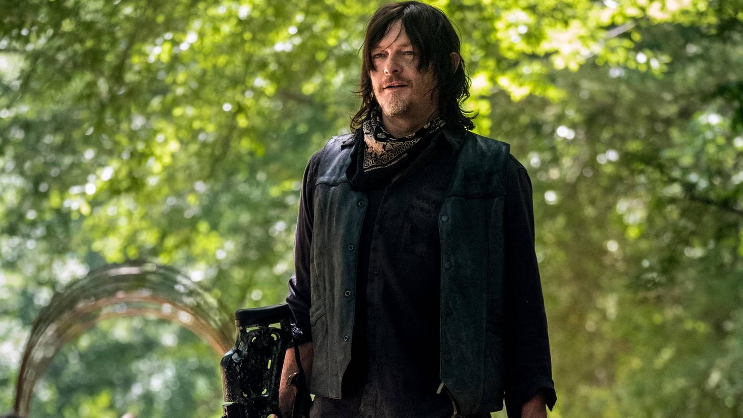 Zumindest hat Daryl seine treue Armbrust noch.