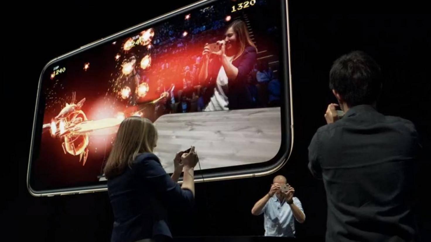 AR-IPhone-XS