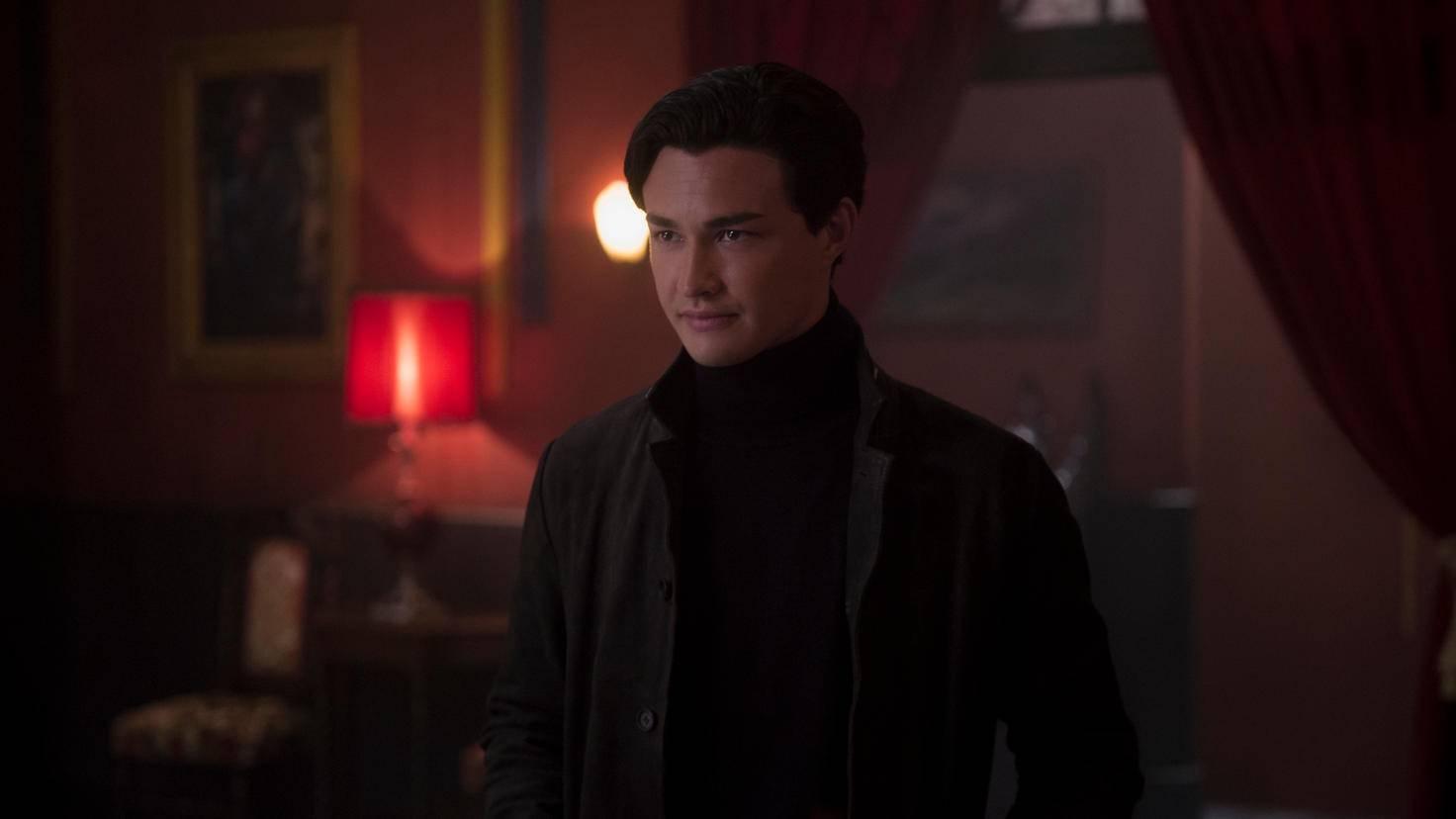 Auf der Zauberakademie lernt Sabrina den geheimnisvollen Zauberer Nicholas Scratch kennen.