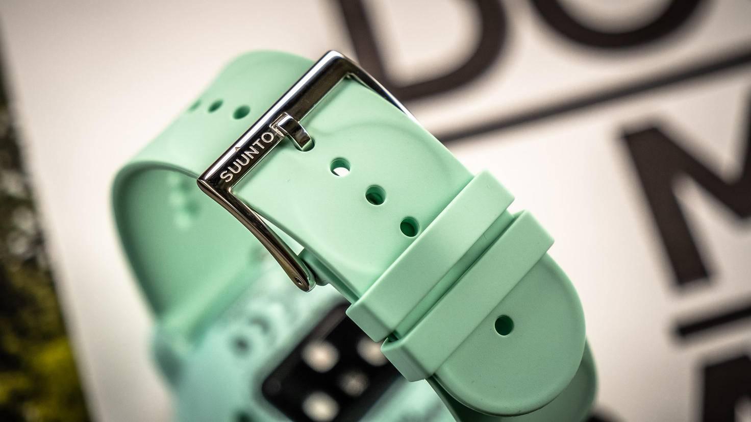 Die Armbänder können auf Wunsch ausgetauscht werden.