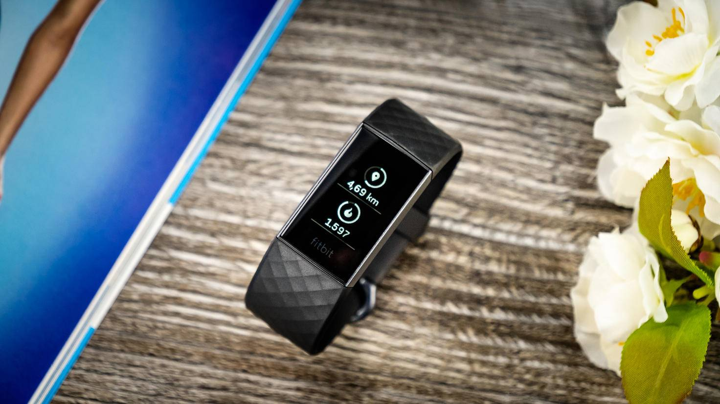 Das Standardmodell des Fitbit Charge 3.