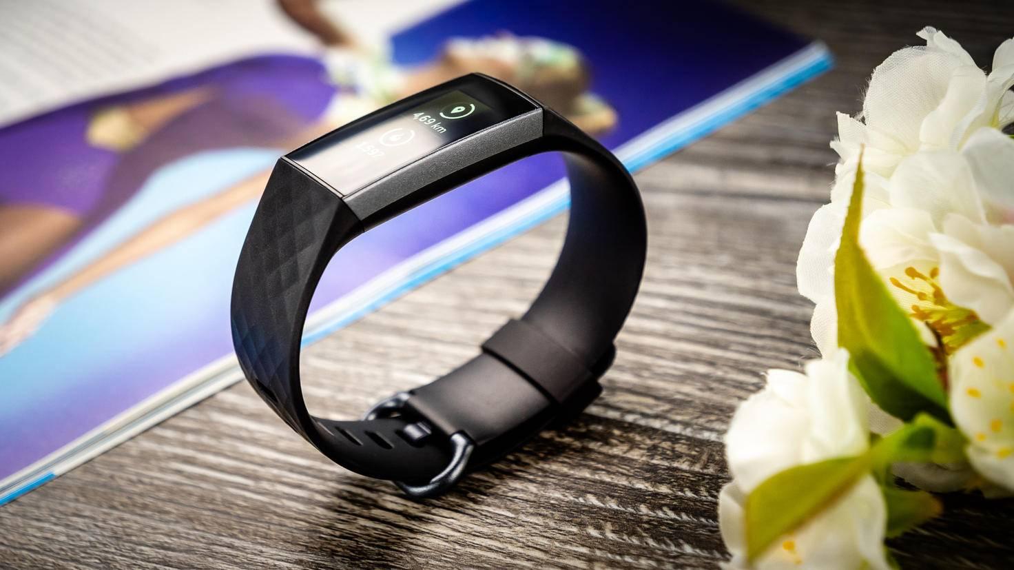 ... und ergonomischer ist das Erscheinungsbild des Fitbit Charge 3.