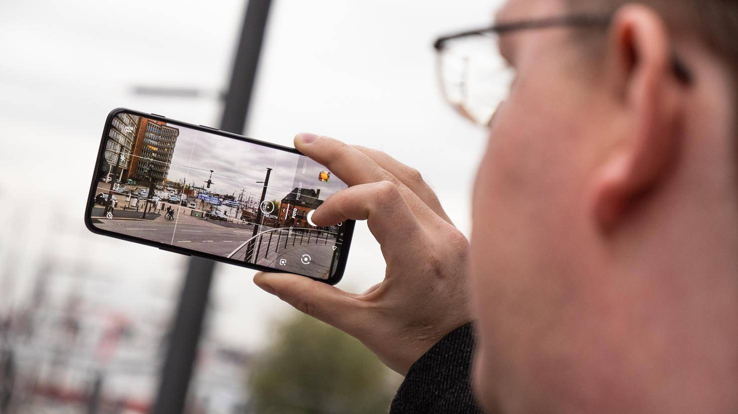 OnePlus-6T-TURN-ON-11
