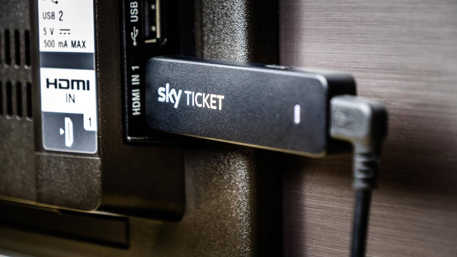 Sky Ticket kannst Du alternativ auch über den Sky Ticket TV Stick genießen.