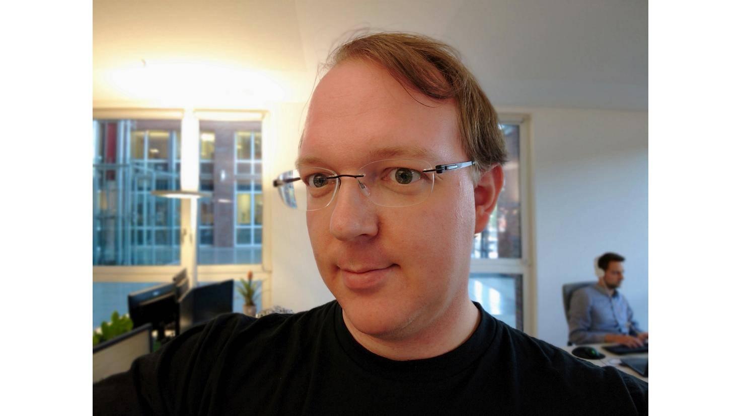 Die neue Selfie-Kamera knipst bessere Fotos als ihr Vorgänger.