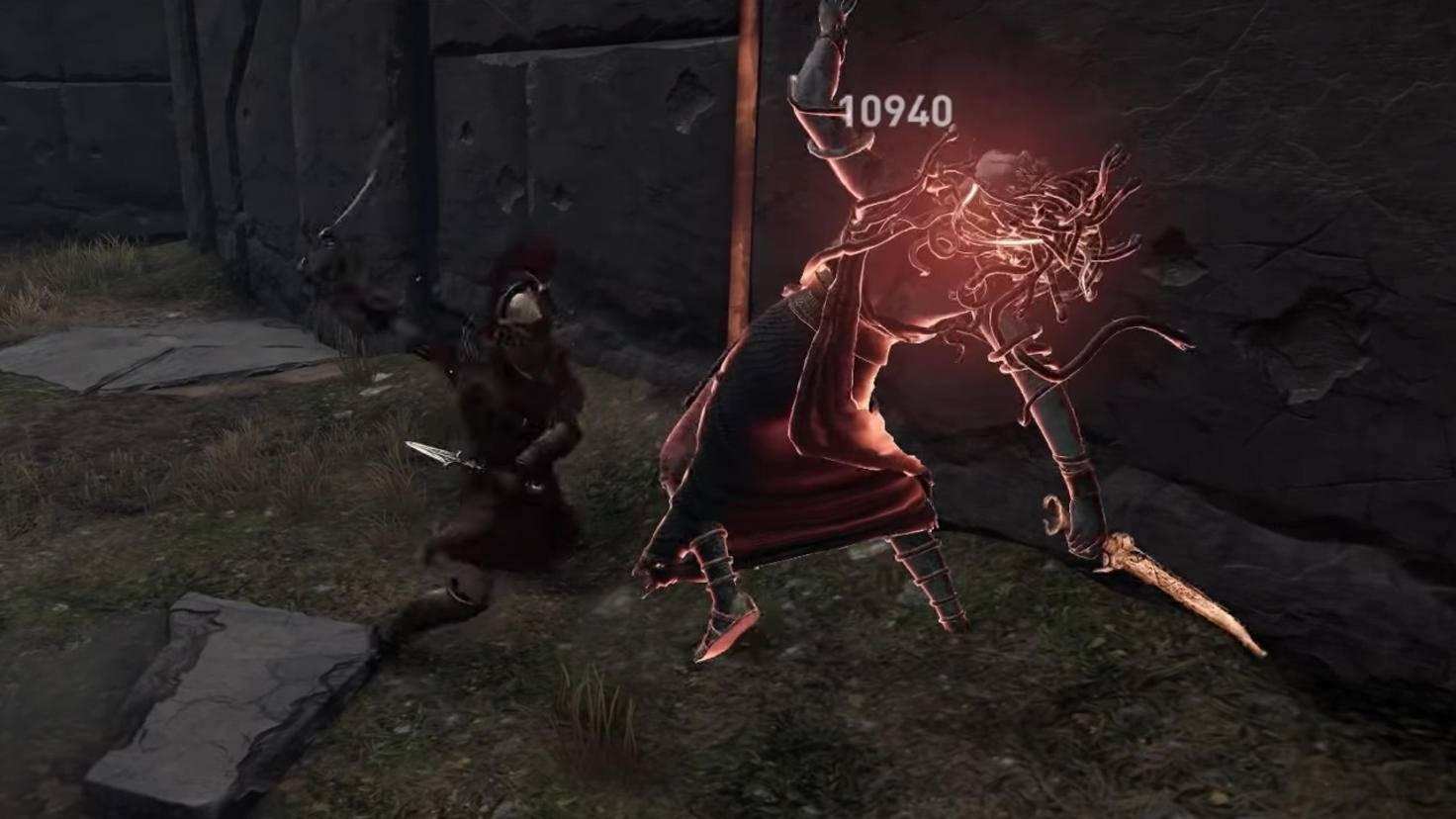 Wenn Medusa zum Schlag ausholt, droht ein verheerender Nahkampf-Angriff.