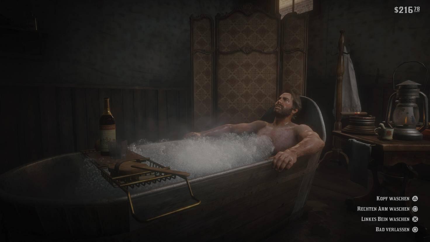 Arthur nimmt ein Bad. Linker Arm und rechtes Bein bleiben aber wohl dreckig.