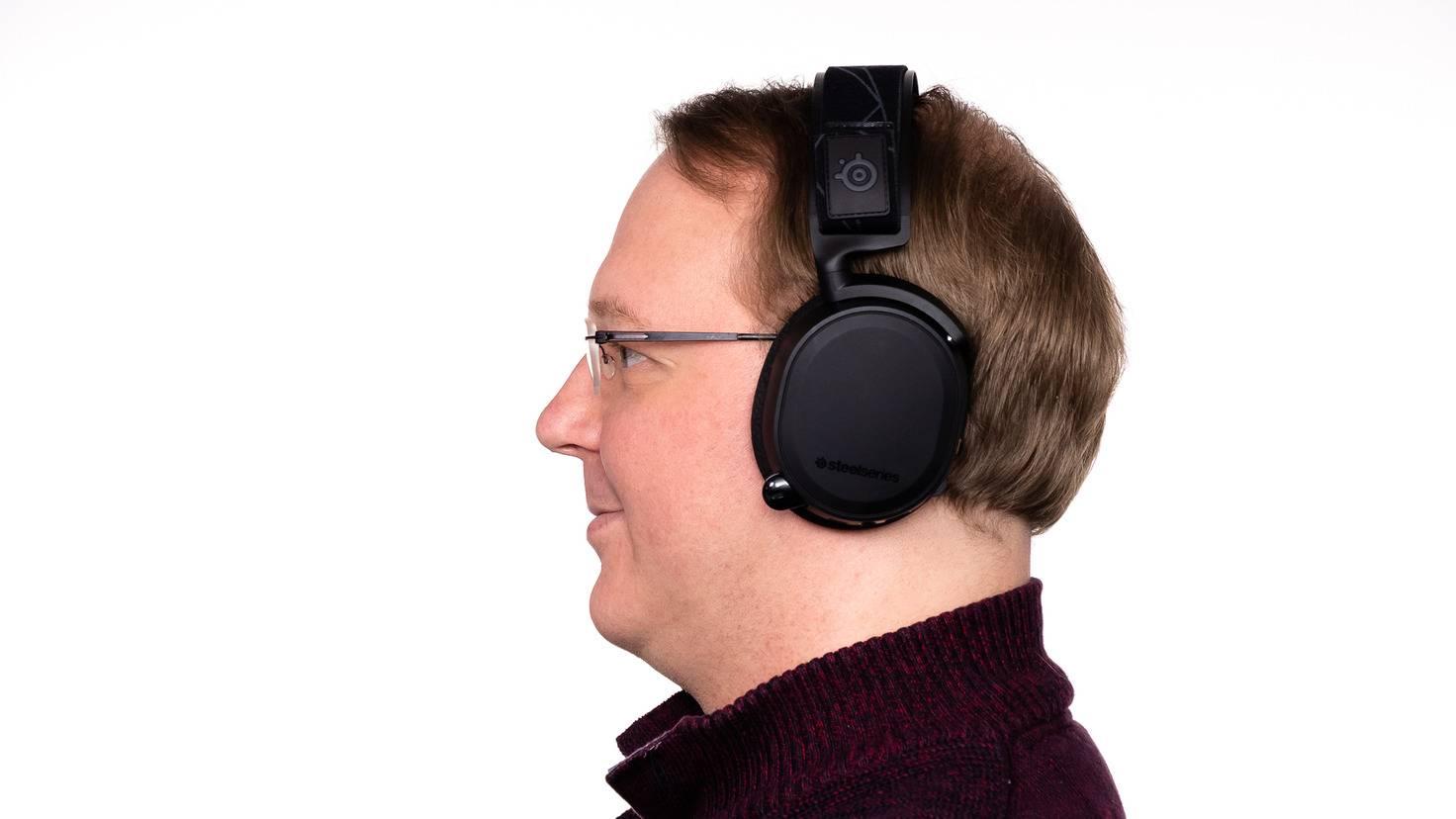 Der Favorit von Andreas ist das Wireless-Headset SteelSeries Arctis 7 2019 mit Top-Leistung zum Preis von 180 Euro (UVP).Der Favorit von Andreas ist das Wireless-Headset SteelSeries Arctis 7 2019 mit Top-Leistung zum Preis von 180 Euro (UVP).