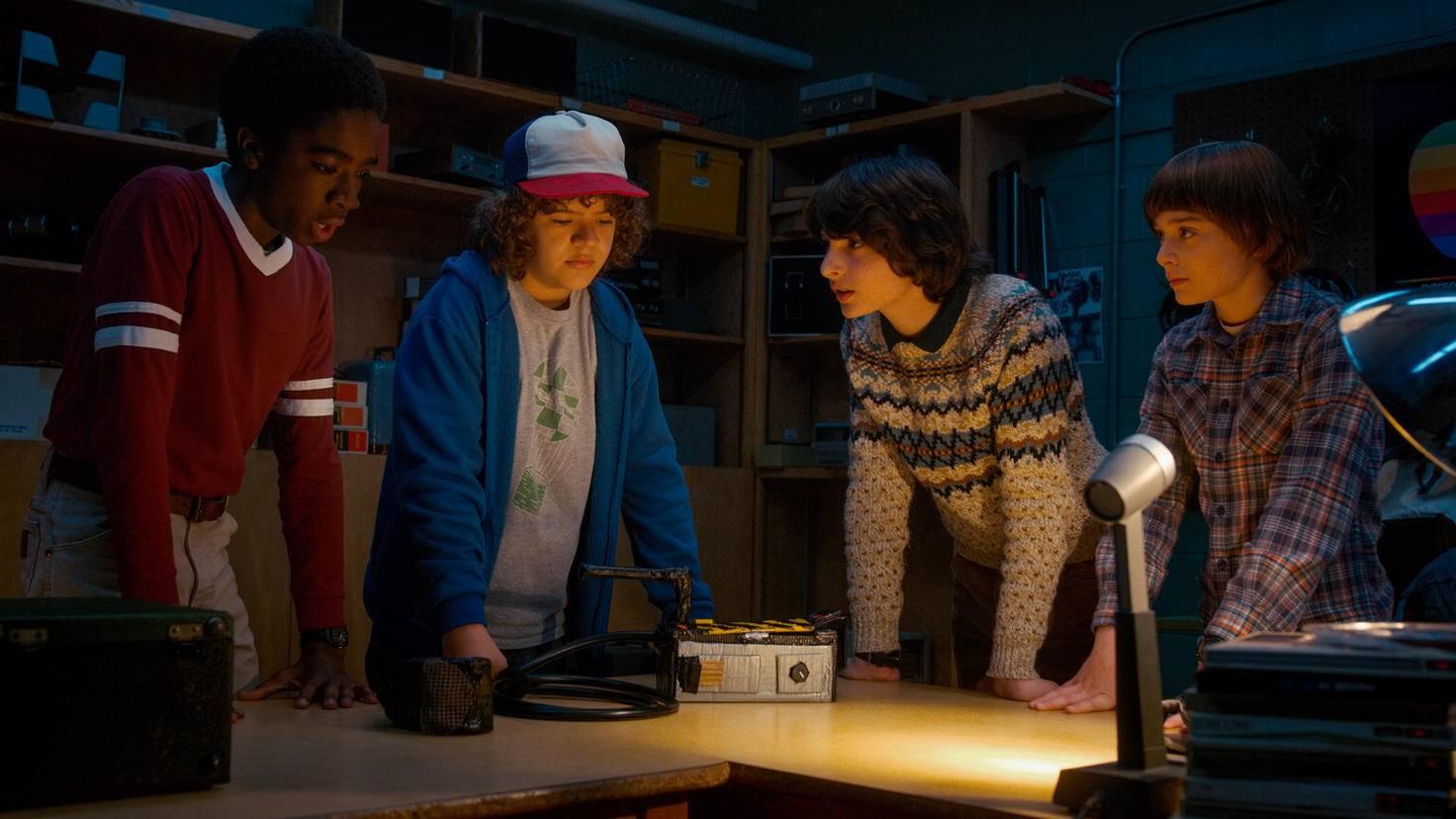 Caleb McLaughlin Gaten Matarazzo Finn Wolfhard und Noah Schnapp in Stranger Things