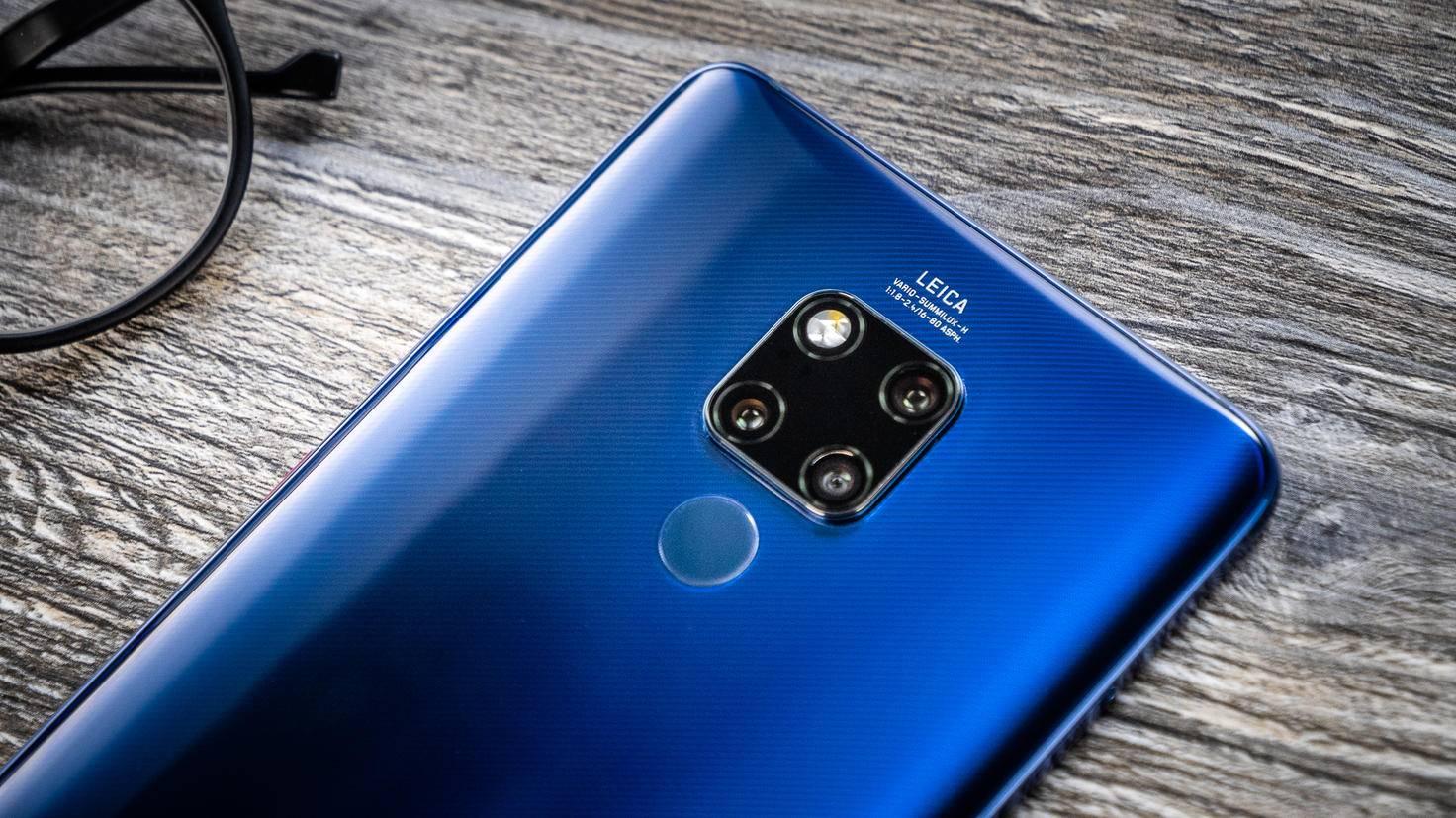 Das gerillte Glas verleiht dem Smartphone einen tollen Look.