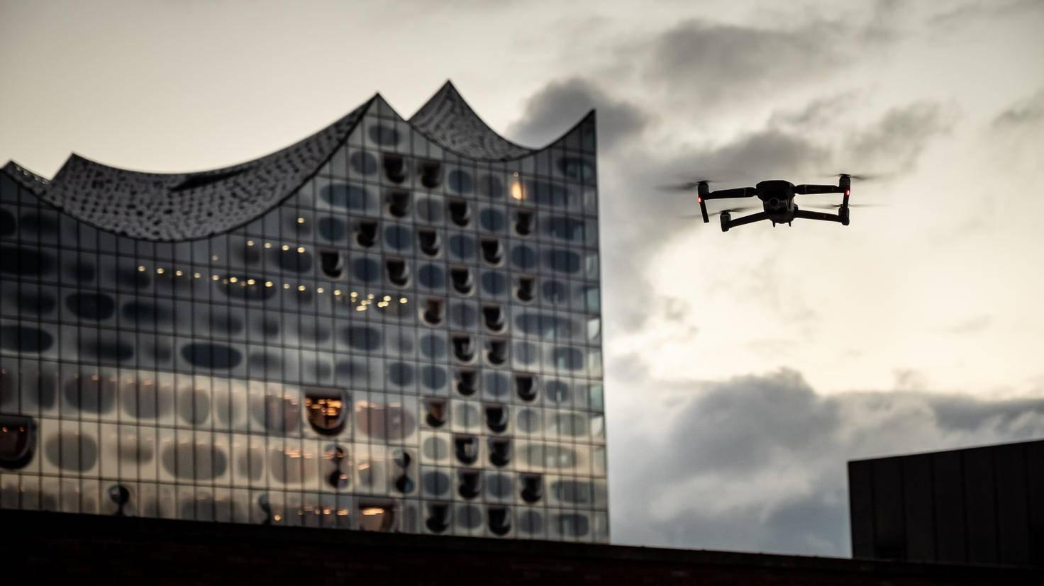 Zahlreiche Sensoren sorgen für sicheres Fliegen.