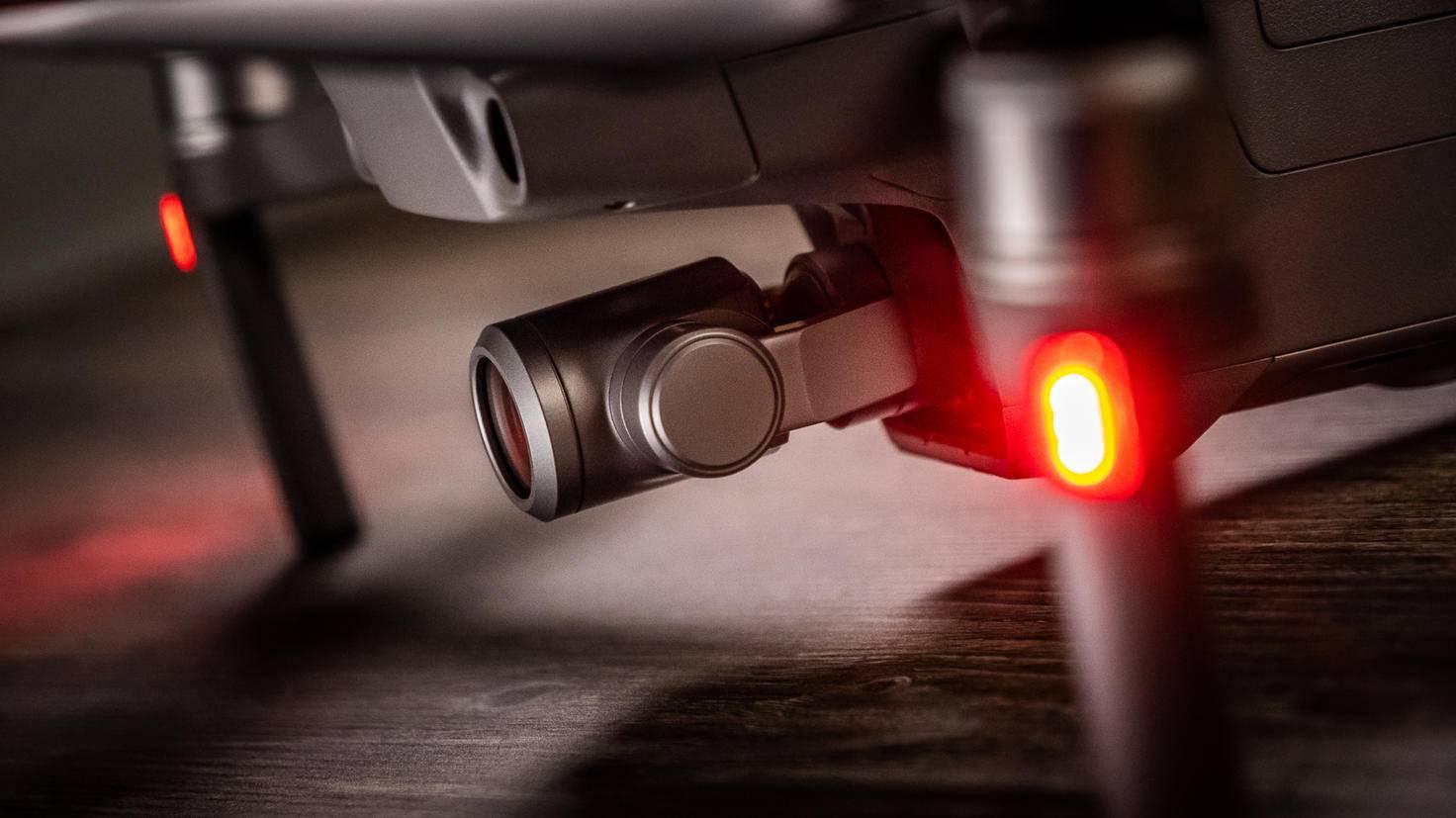 Die Kamera der Mavic 2 Zoom hat einen kleineren Bildsensor als die der Mavic 2 Pro.