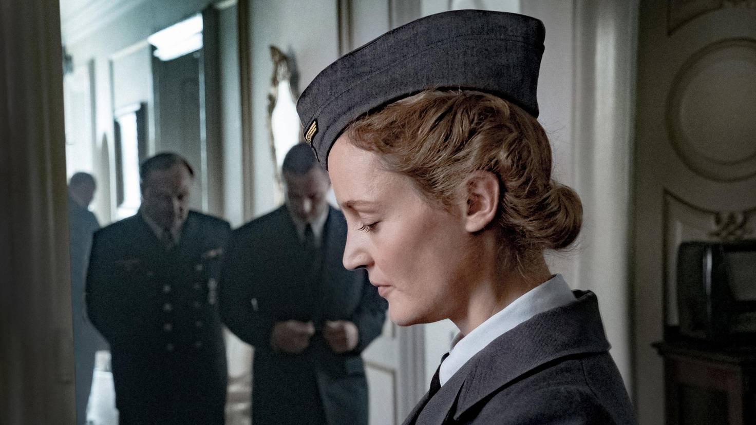 Vicky Krieps als Simone Strasser auf gefährlicher Mission.