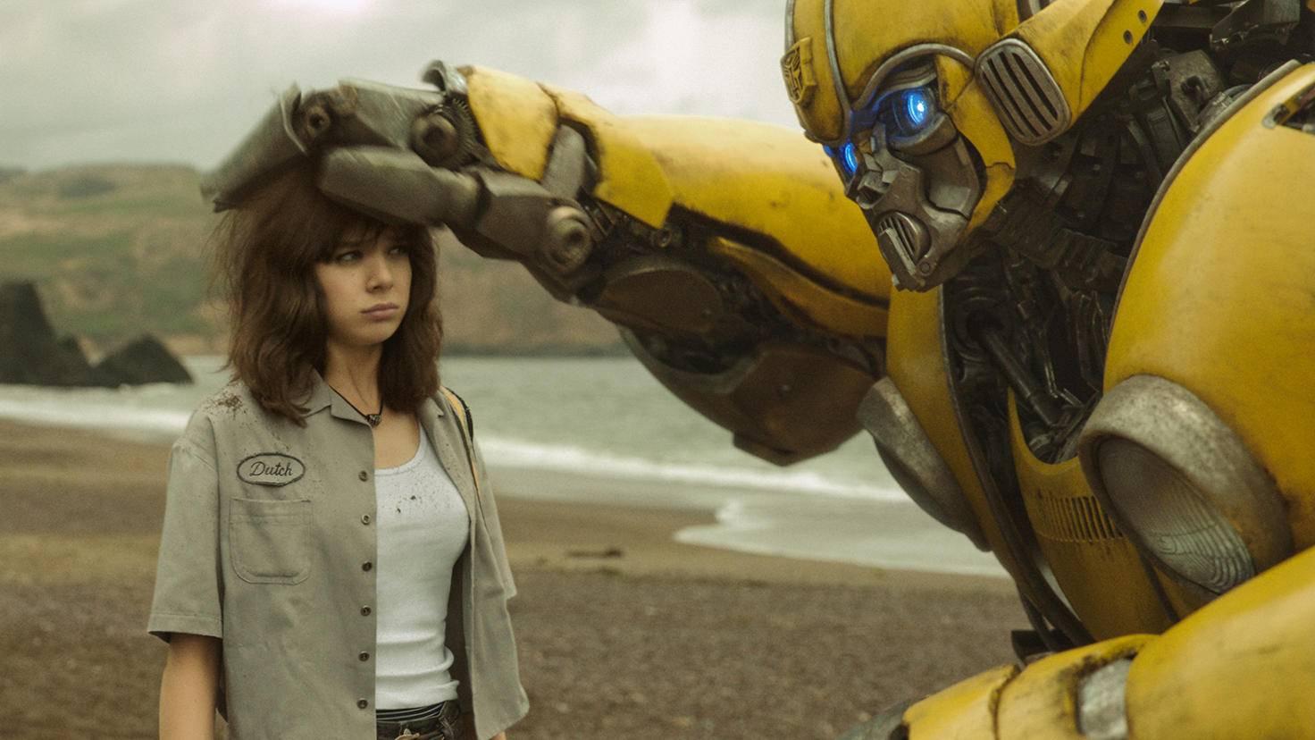 """... bis lustig: Hailee Steinfeld überzeugt in """"Bumblebee""""."""