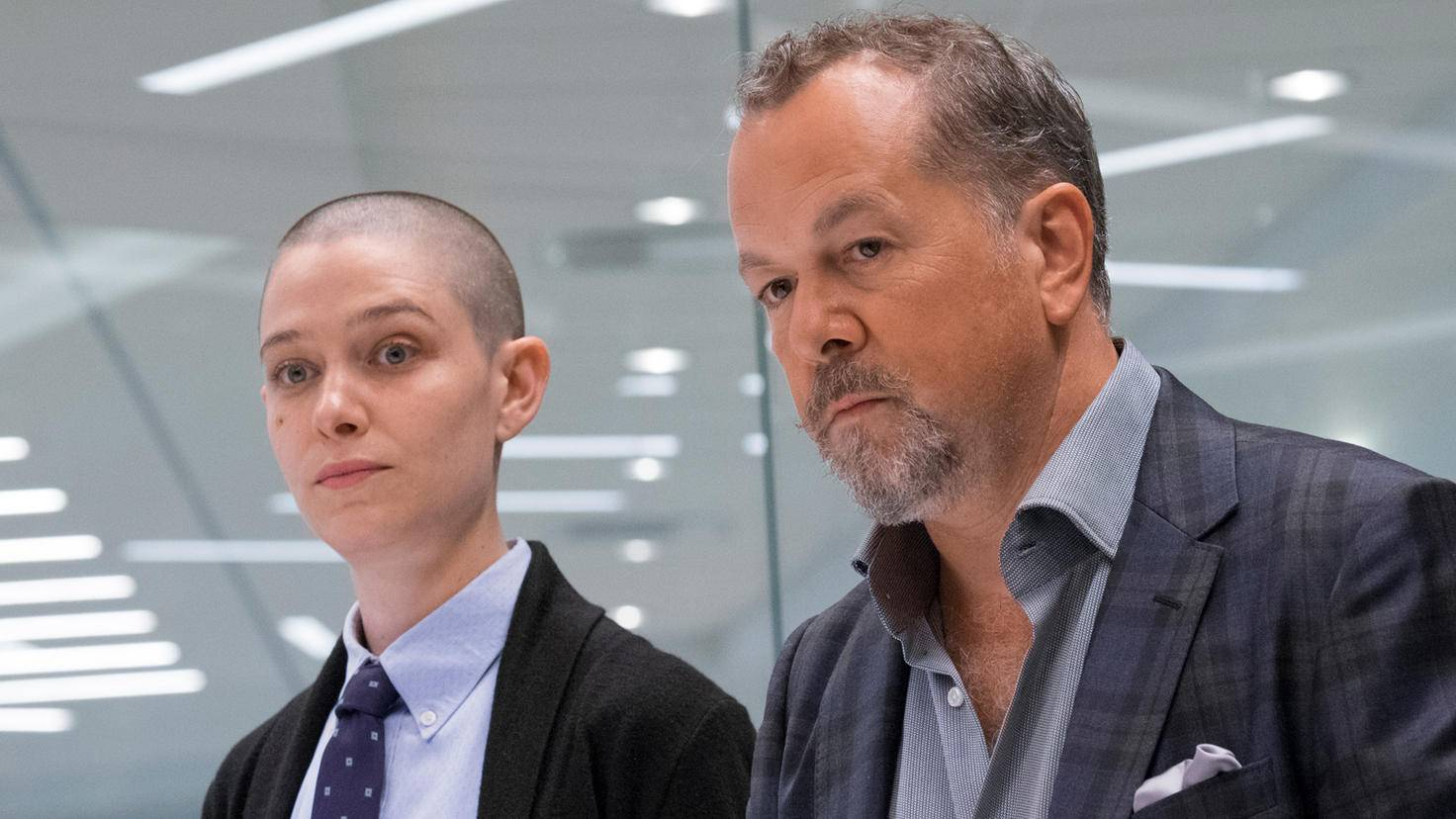 Taylor Mason (Asia Kate Dillon) ist zunächst nur eine Praktikantin bei Axe Capital.