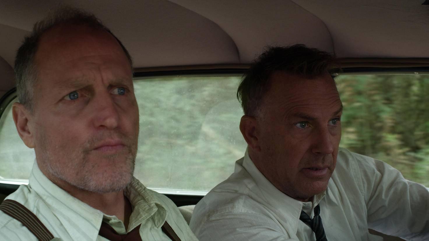 Gault (l.) und Hamer (r.) sind Bonnie und Clyde dicht auf den Fersen.