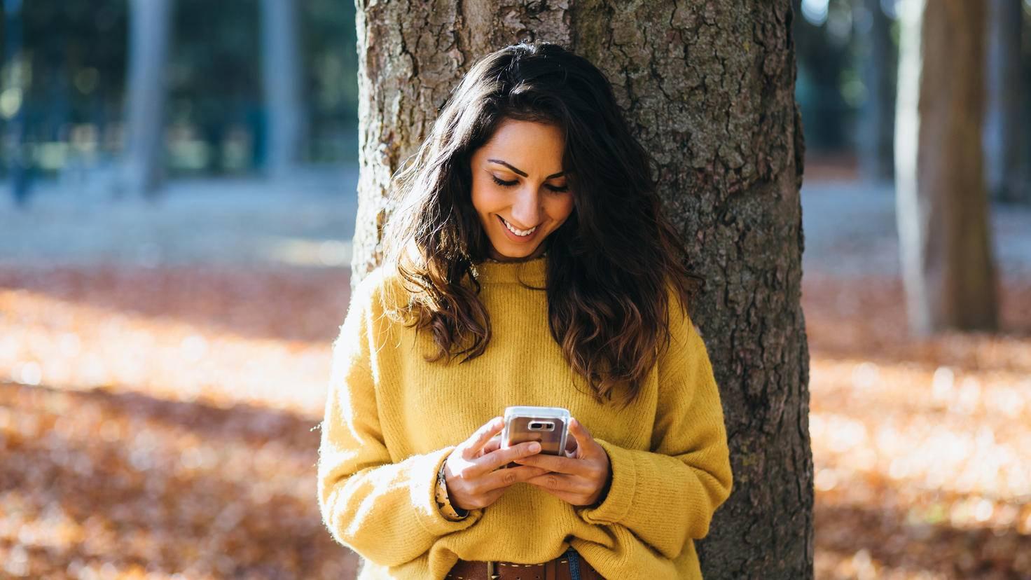 Frau Baum Wald Smartphone
