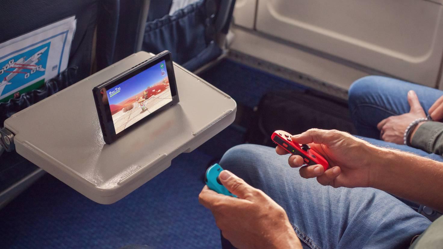 nintendo-switch-unterwegs-flugzeug