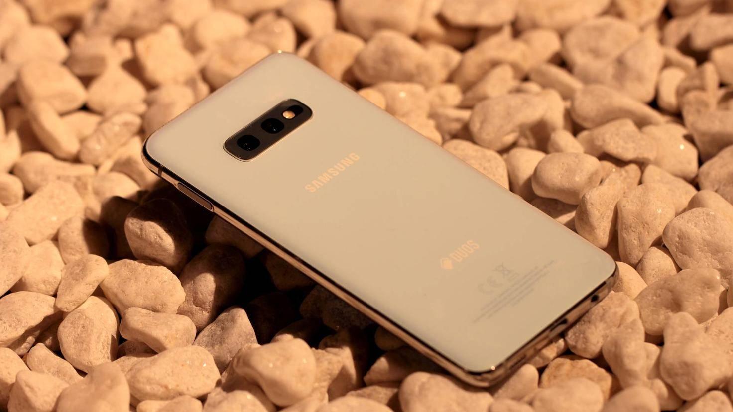 Samsung-Galaxy-S10e-06