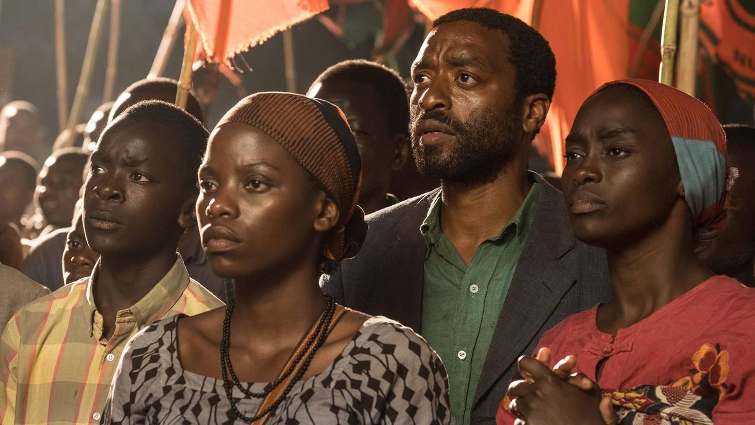 Maxwell Simba, Lily Banda, Chiwetel Ejiofor und Aïssa Maïga in Der Junge der den Wind einfing