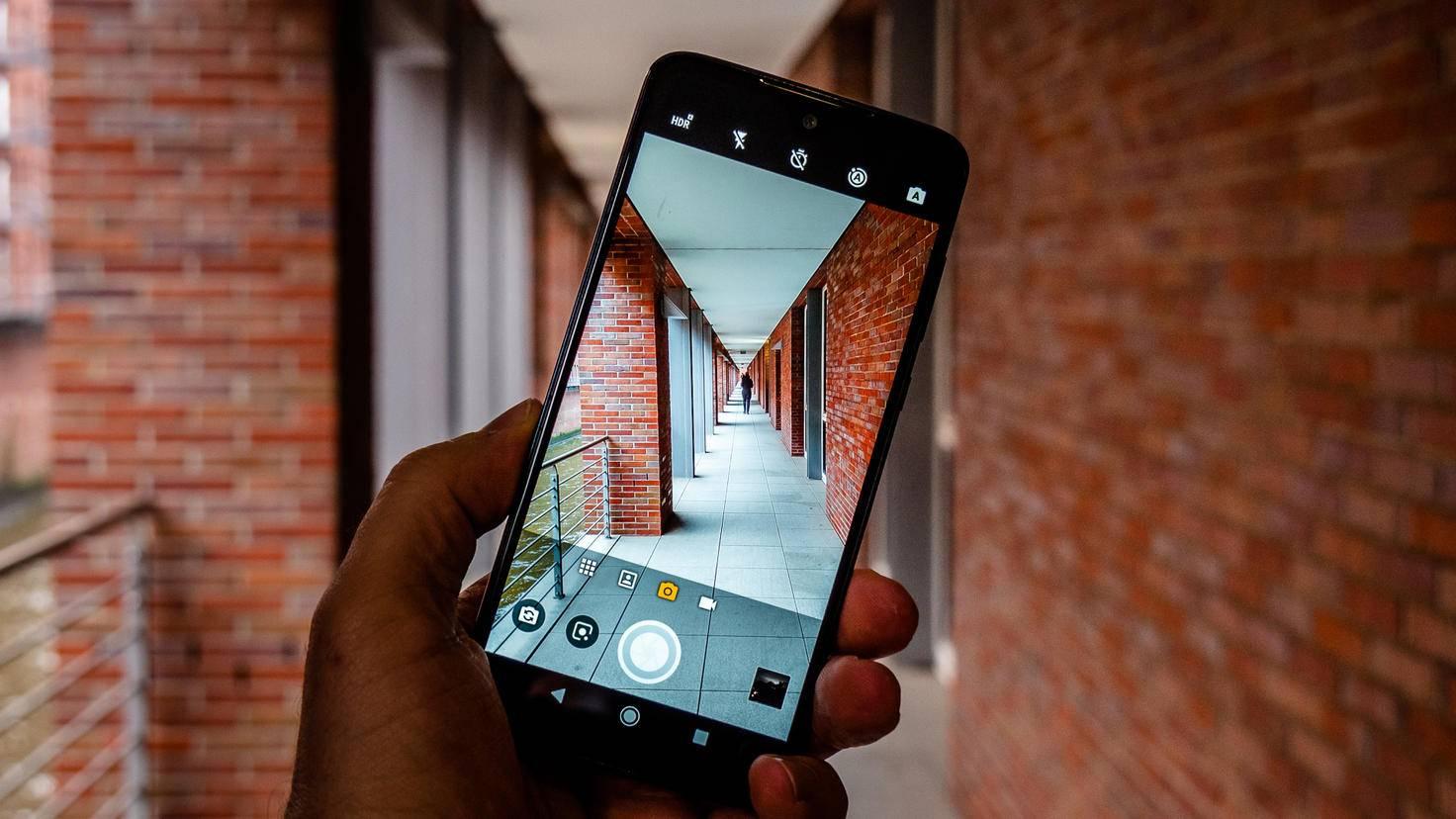 Motorola-Moto-G7-TURN-ON-4