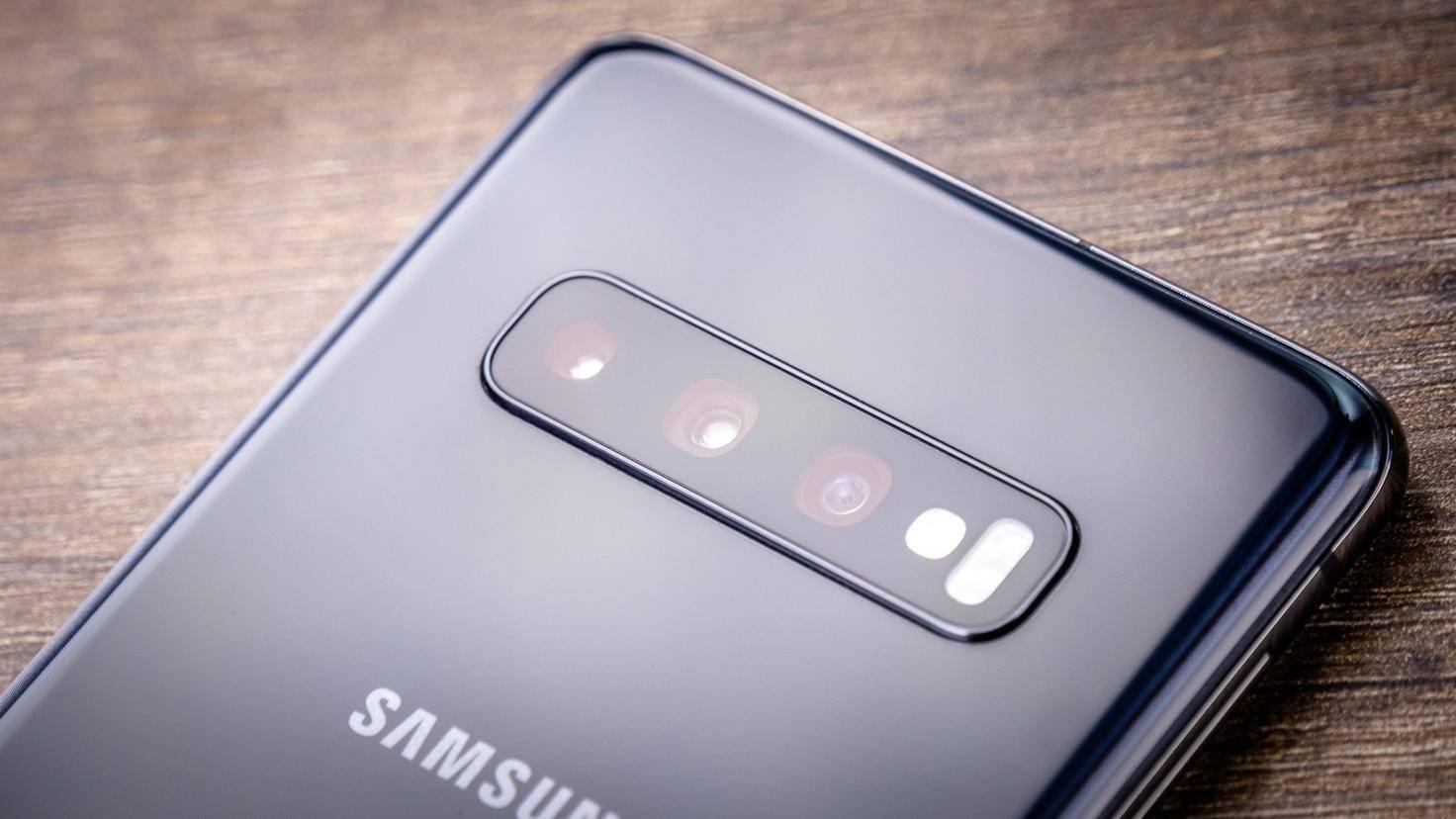 Samsung-Galaxy-S10-TURN-ON-Triplekamera