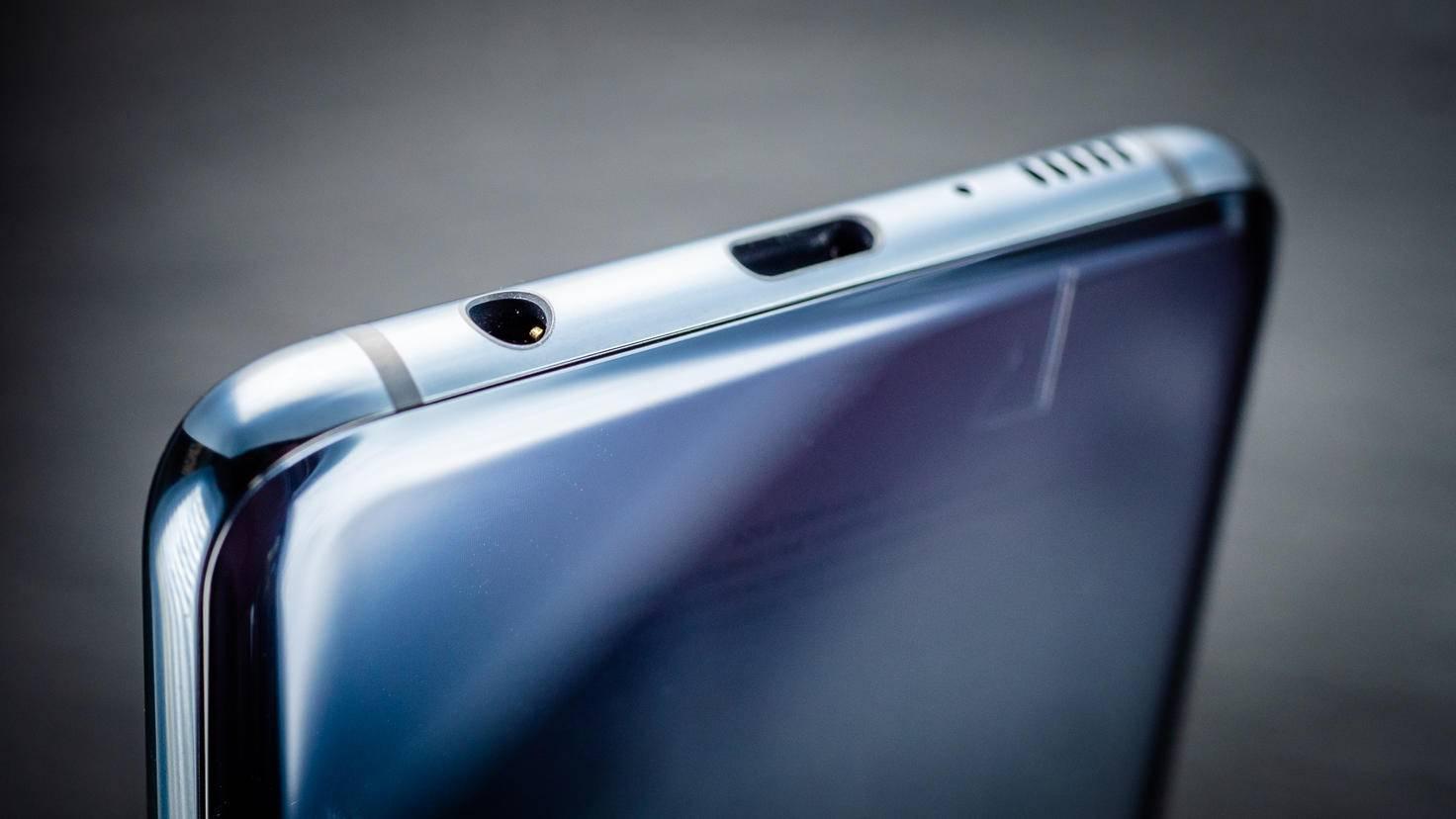 Samsung-Galaxy-S10e-003