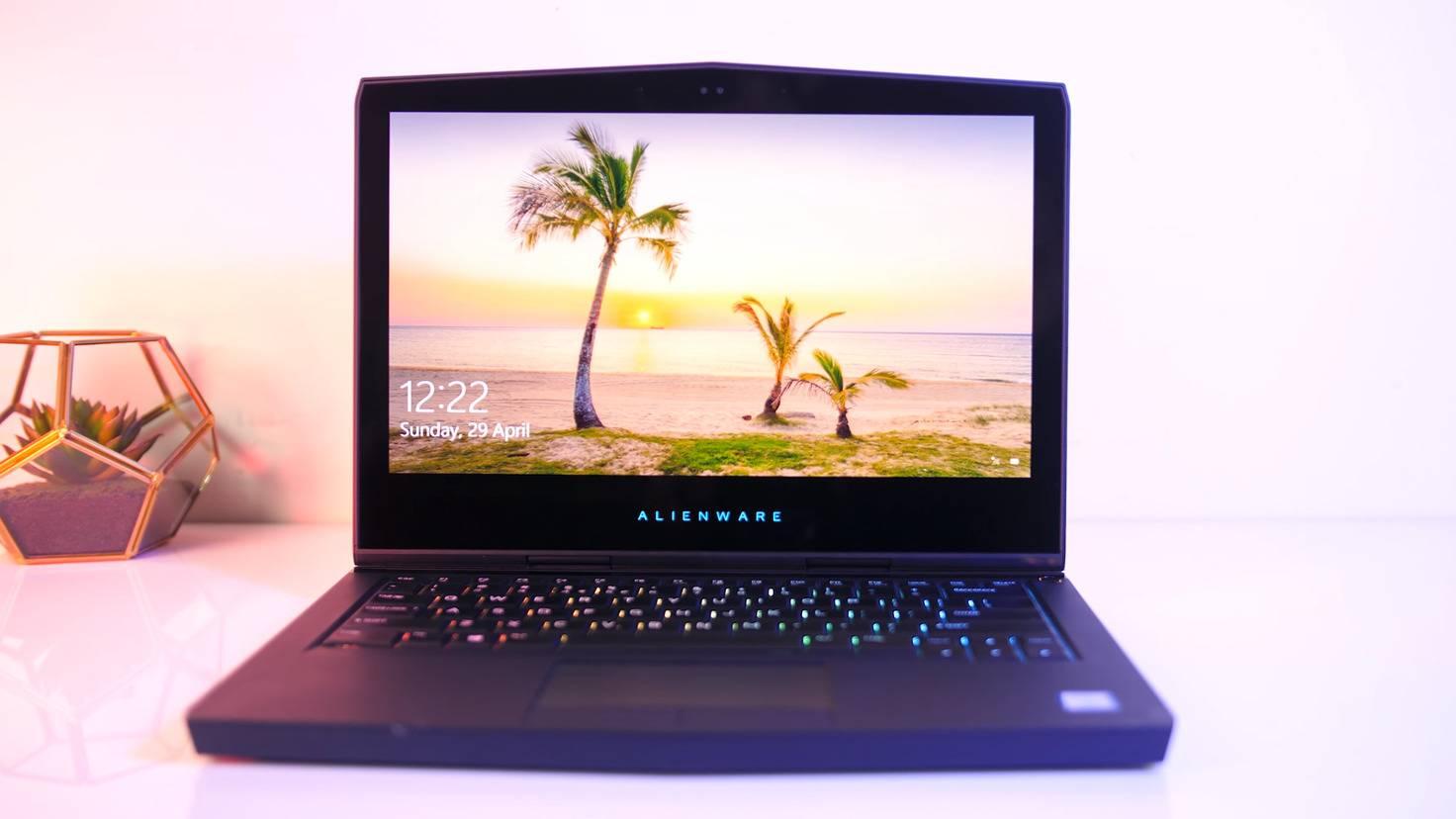 Alienware-13-OLED-Jarrods-Tech