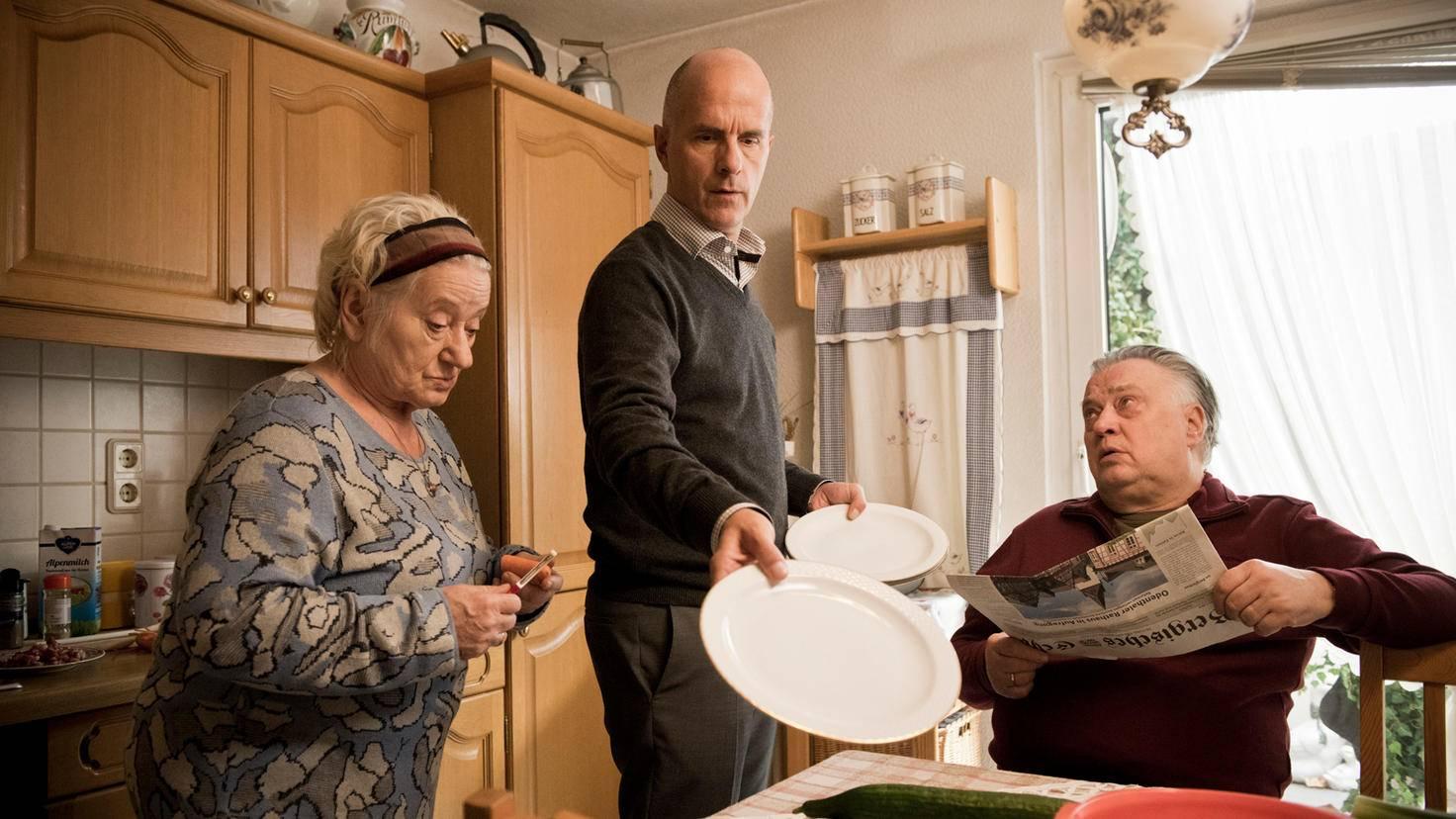 Die Eltern von Erik sind das komplette Gegenteil der Eltern von Anne.