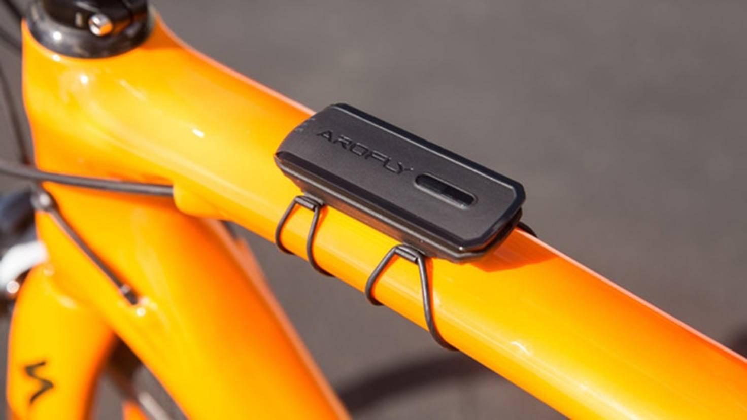 ... werden über den Transmitter (Bild) an den Fahrradcomputer übertragen.