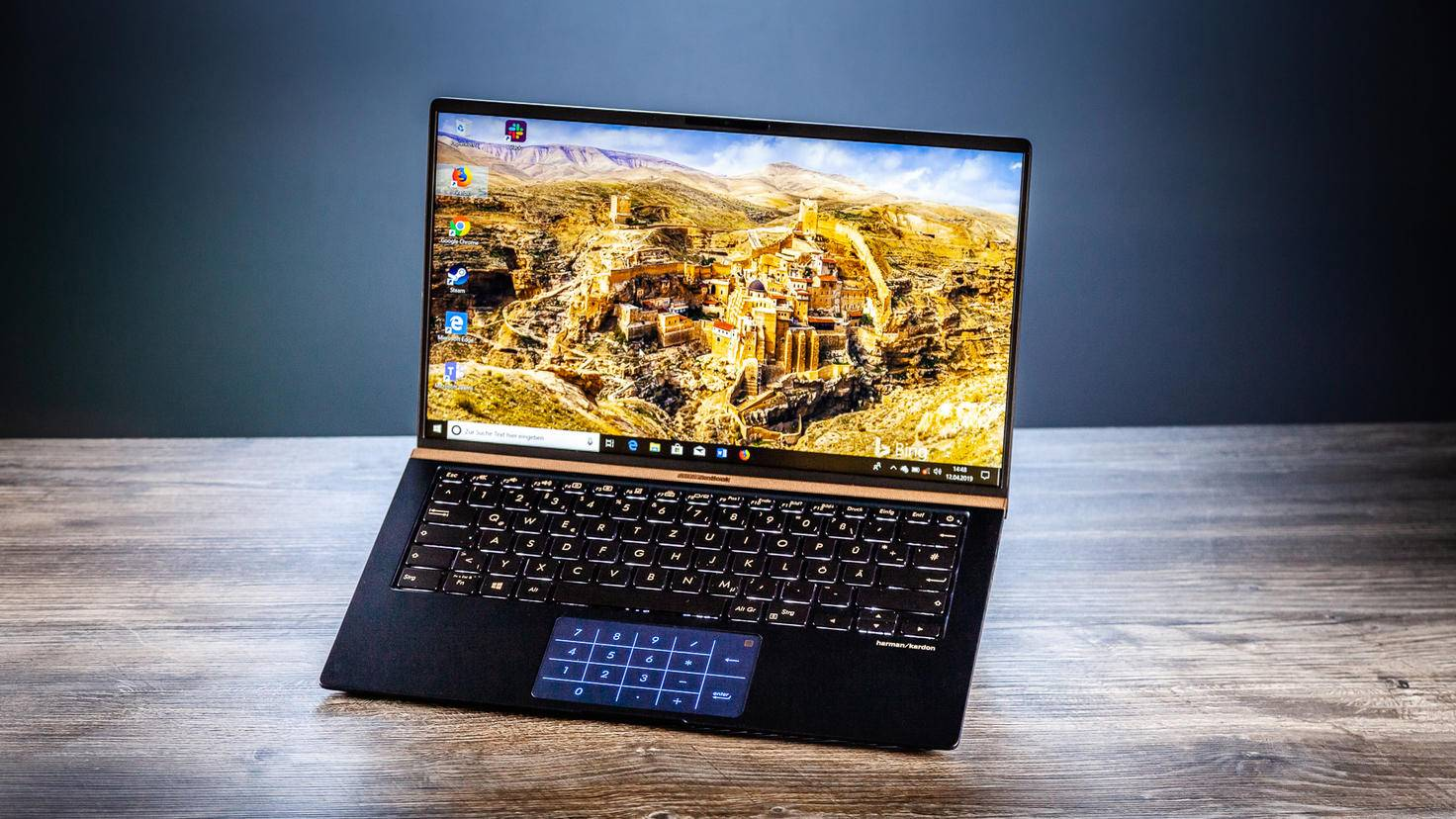 asus-zenbook-14-turn-on-10