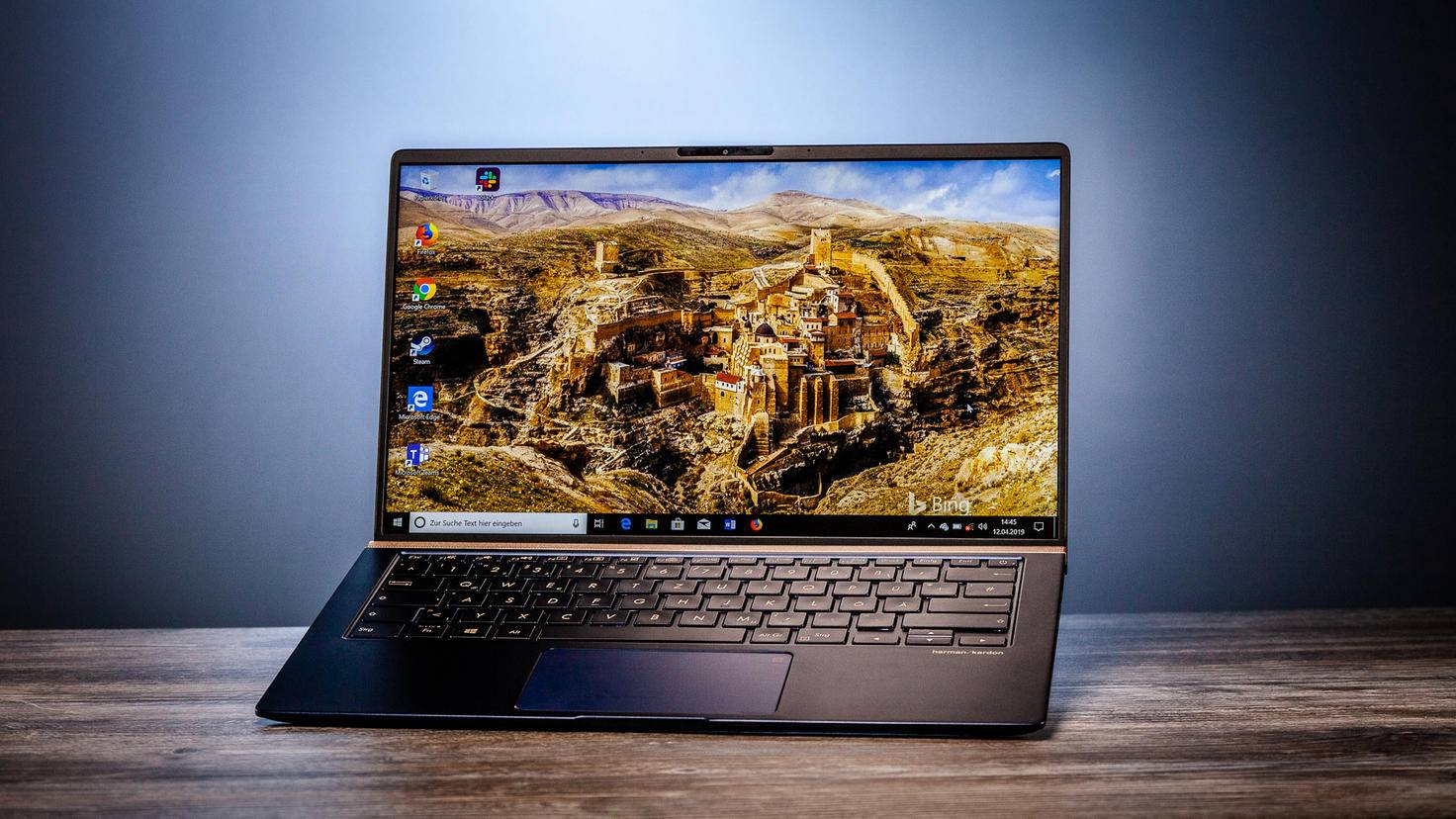 asus-zenbook-14-turn-on-9