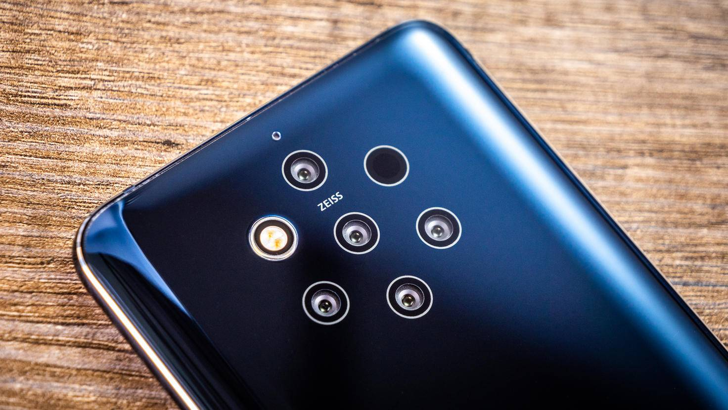 nokia-9-pureview-turn-on-11