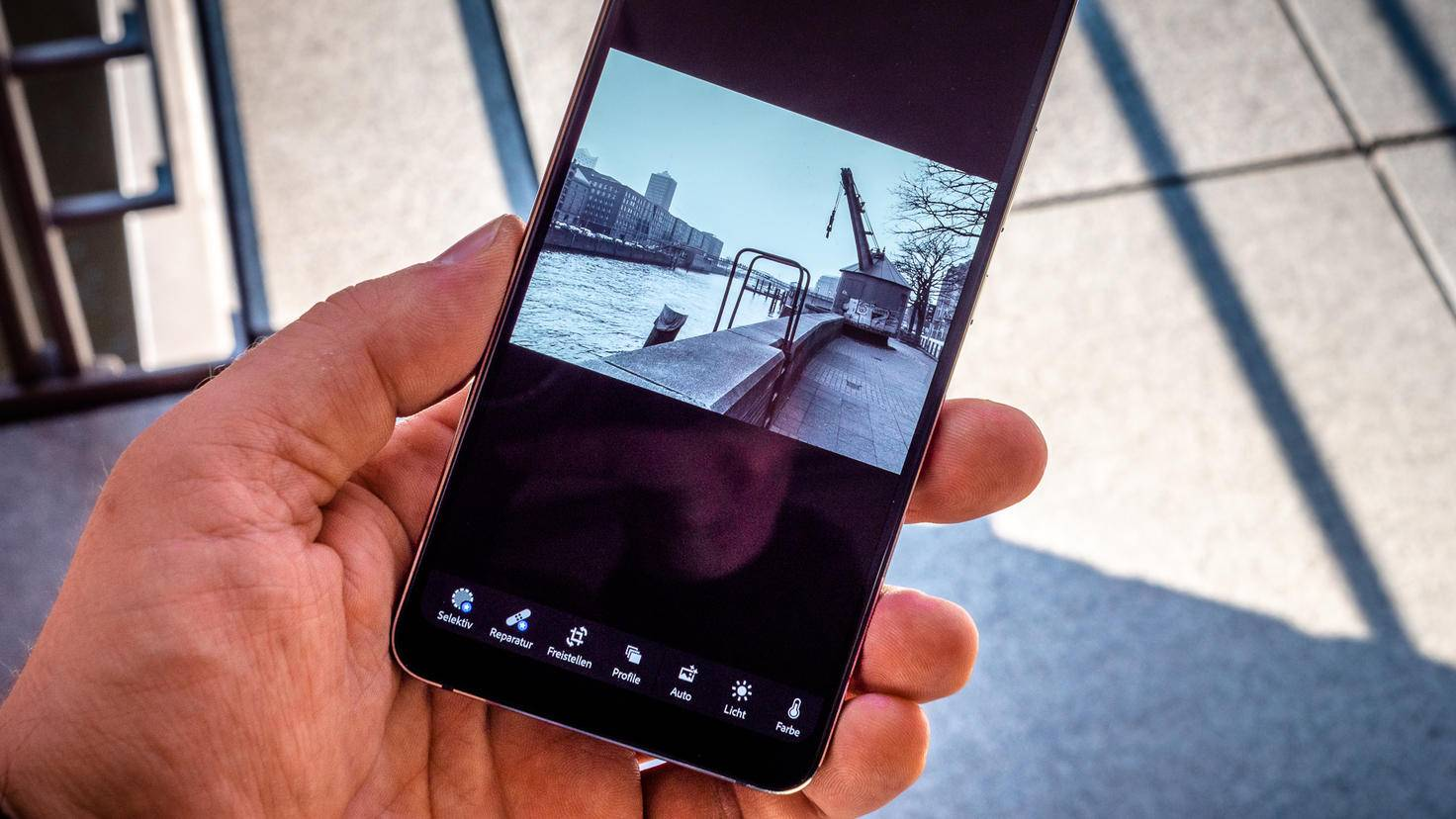 nokia-9-pureview-turn-on-9-lightroom