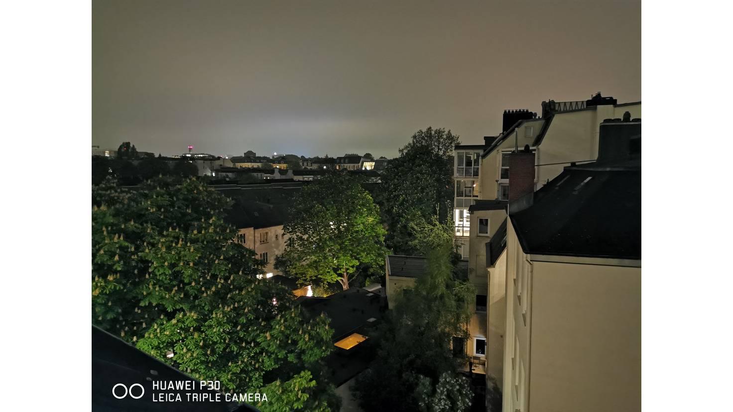Der Nachtmodus zählt zu den Besten auf dem Markt (das Foto wurde in pechschwarzer Nacht aufgenommen).