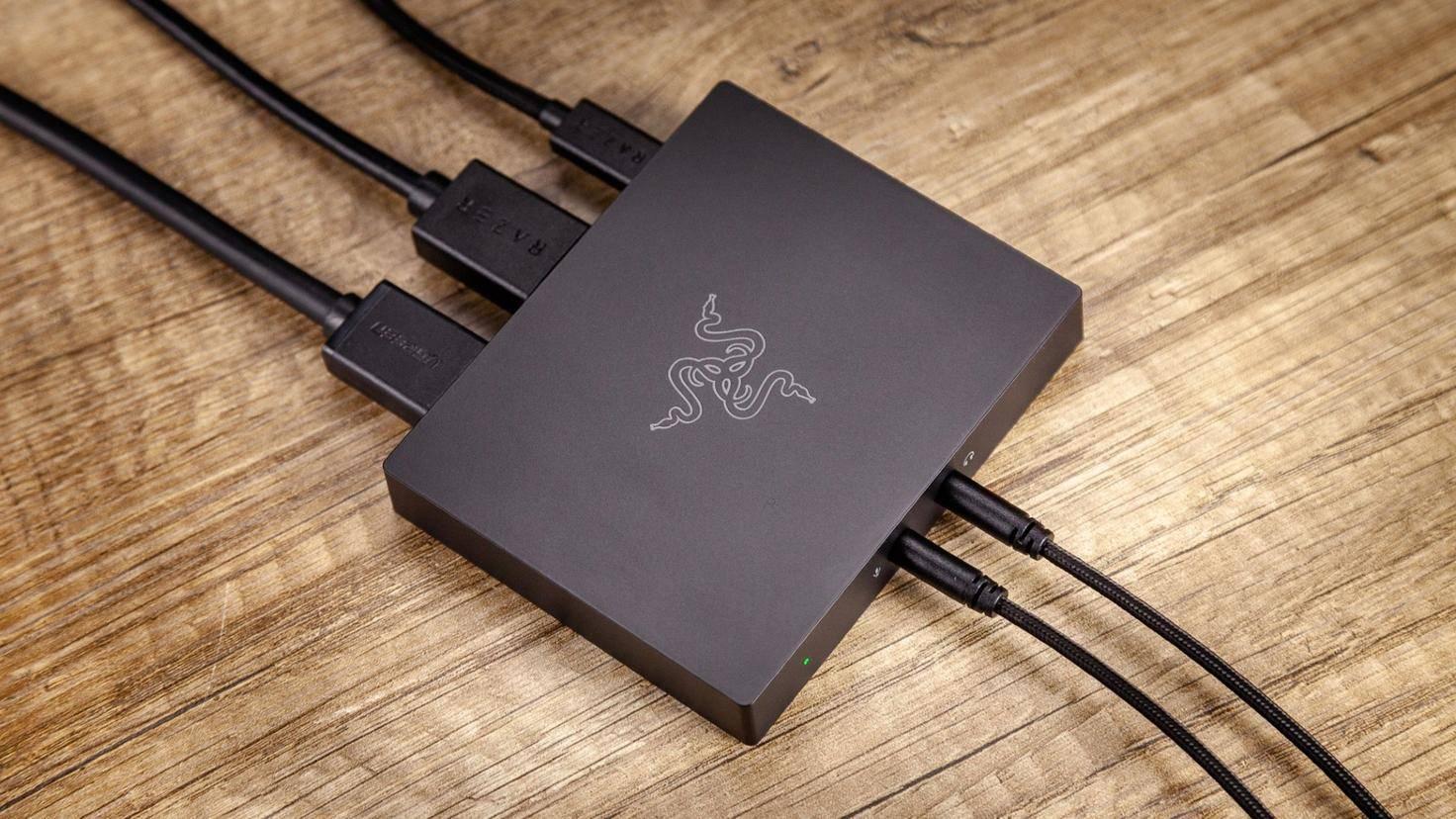 Nötige Kabel liegen der Ripsaw HD bei, Software dafür kaum.