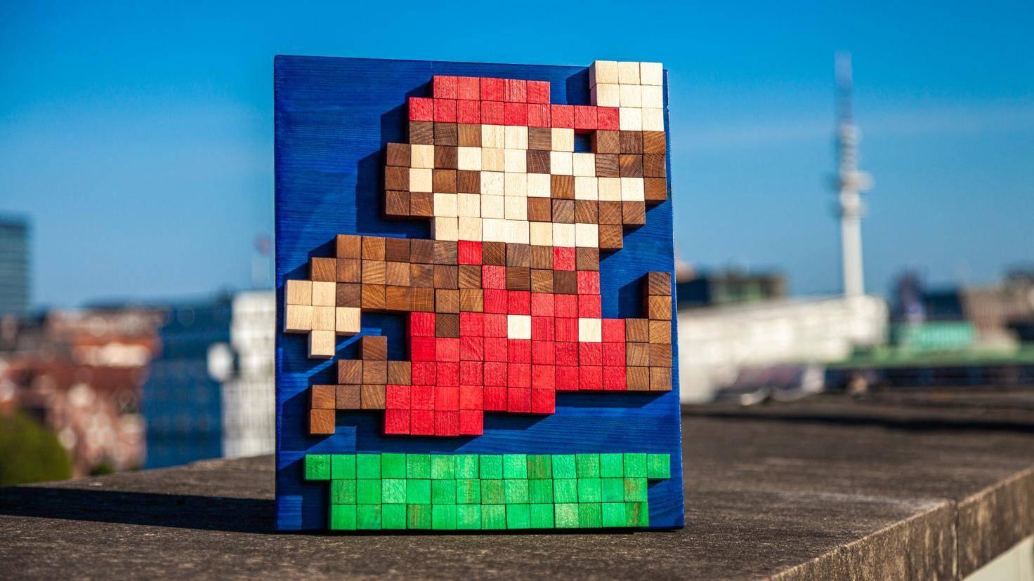 Daniela setzte diesen Super Mario aus 210 Holzblöcken zusammen.