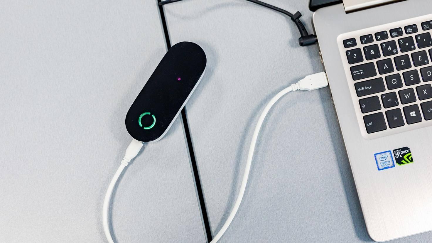 Dieser Sender verwandelt die optischen Daten in elektrische Impulse um.