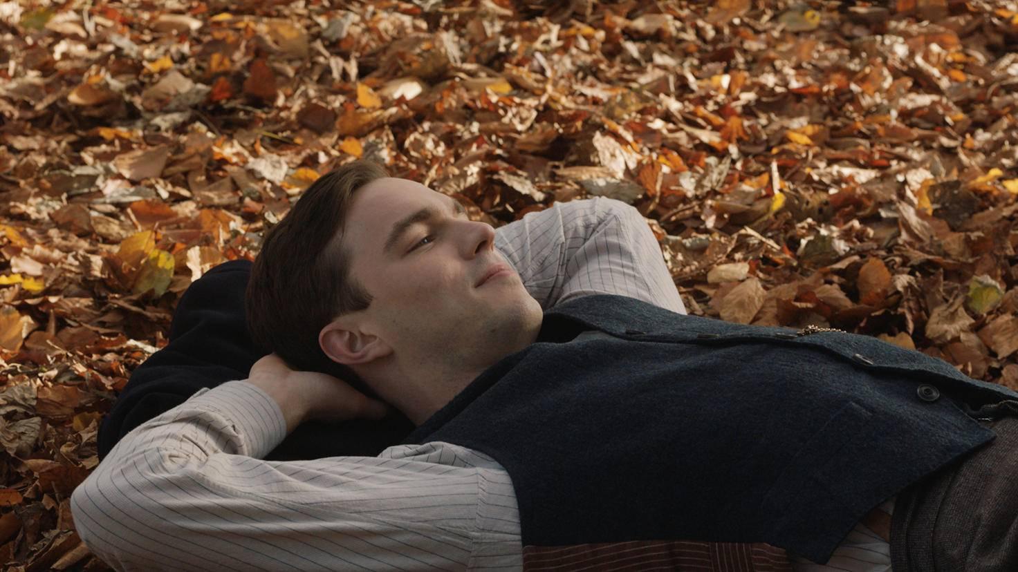 Tolkien (Nicholas Hoult) liebt die Natur ...