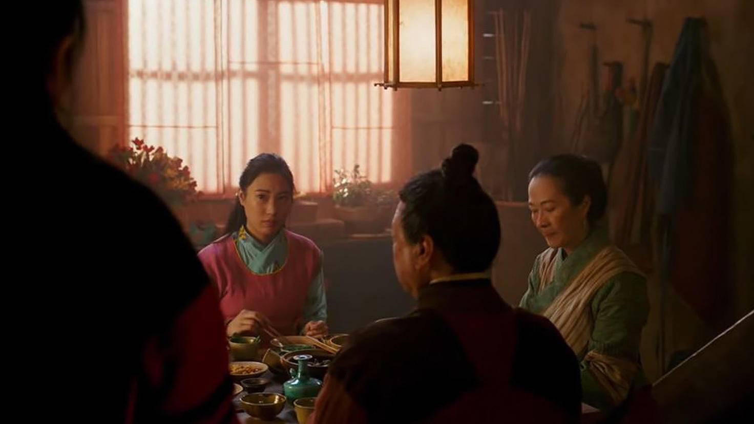 Die Szenen mit ihrem Filmvater sind ein Highlight der Realverfilmung.