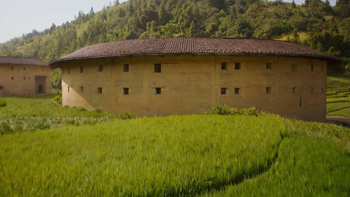 Tulous werden traditionell von der Volksgruppe der Hakka in der chinesischen Provinz Fujian bewohnt.