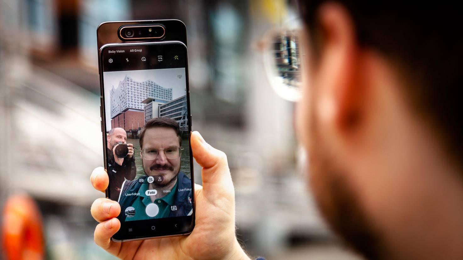 Samsung-Galaxy-A80-Selfie-01