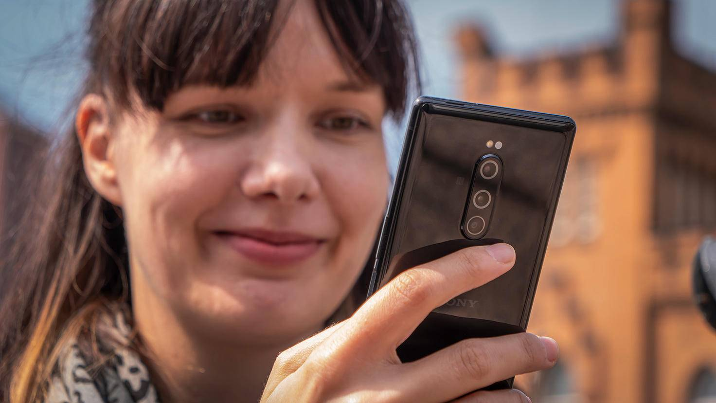 Sony Xperia 1 in der Hand