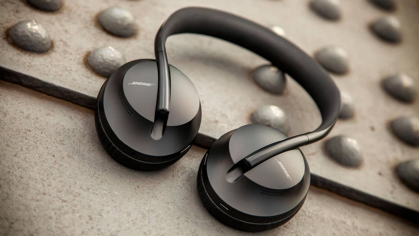 bose-headphones-700-2
