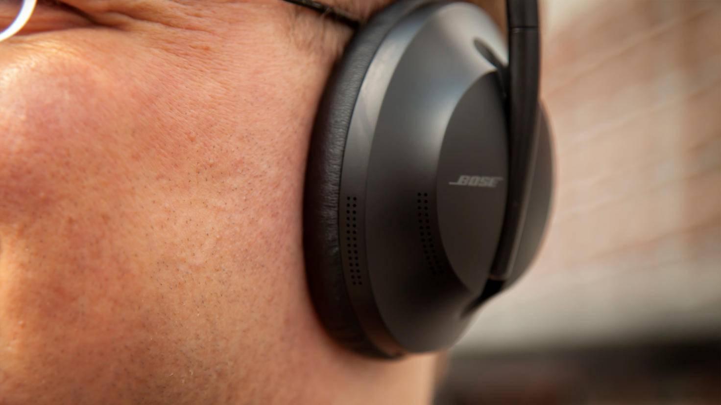 bose-headphones-700-5
