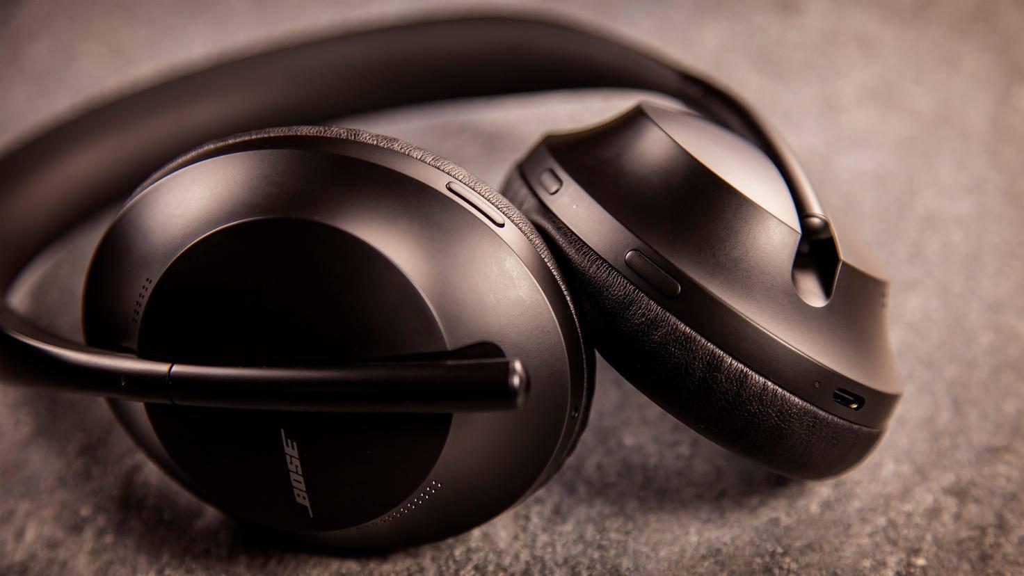 bose-headphones-700-6